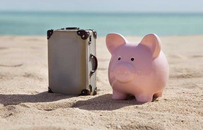 Budget your next vacation and avoid going into debt or having to deal with the post-vacation I-spent-too-much slumps!